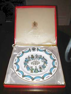 Spode D'Oyly Carte Gilbert and Sullivan plate with box